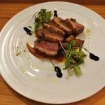 ボノボノ - 鴨胸肉のロースト ヴォライユソース
