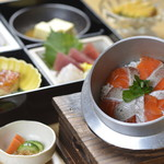 水たき玄海 - 季節の釜めし御膳(鮭)