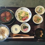 55681813 - 鶏つくねの京桜みそ煮込み膳、1,500円