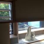 豆まる - 個室の窓