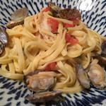 金沢町屋 はっち - ツブ貝とアサリとトマトのフィットチーネ