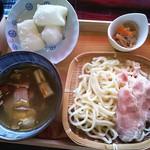 食匠 なる花 - 旨汁塩豚うどん¥780+オプションの揚げもちおろし¥200