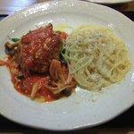 5569455 - 肉料理とスパゲティー