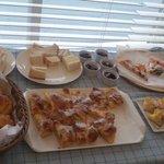 Bakery Cafe CAMELLIYA - 食べ放題のパン