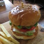 マクレーン - アボカドチーズ・バーガー