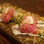チーズと和牛ビストロ きこりのお家 - 佐賀牛 ヒレ肉の握り 2貫