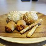 メログラーノ - 自家製パン3種類