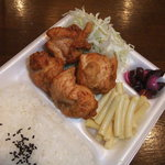 鹿島 - 料理写真:こちらは、からあげ弁当。生姜焼きと肩を並べる当店のツートップです。