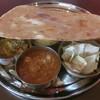 カーン・インディア - 料理写真:Bセット(チキンカレーとミックス野菜カレー)