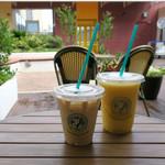 ホノルルコーヒー - ラテとマンゴー・スムージー
