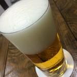 ビールスタンド重富 - 一度注ぎ