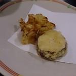 55706375 - トウモロコシと芋の天ぷら