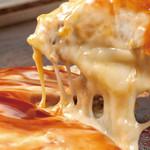 鶴橋風月  - 「チーたまぶたモダン」チーズたっぷり!玉子も入ったスペシャルなモダン焼き