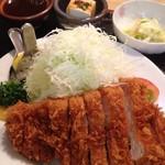 高地屋 - 料理写真:16/9/3 特選ロースカツ定食