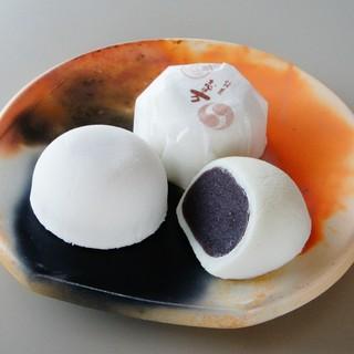 かん川本舗 - 料理写真:塩味饅頭志ほ万