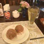 栗の木テラス - 2016.9上旬、モンブラン2個・ジャスミン茶