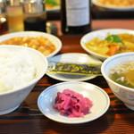 東龍門 - 日替りびっくり定食 700円