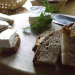 チーズハウス ヤルゴイ - カマンベールチーズセット(ハーフ)