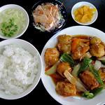津香飯店 - 酢豚定食
