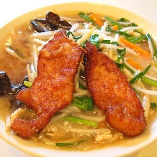 製麺所「永福」で作る特注の麺を使用しています。