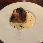 55721584 - 牡蠣とホタテのパイ包みアンチョビクリームソース