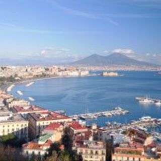 南イタリアの海と太陽の恵みを存分に!日替わりメニューが人気