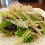 石窯ピザ Manten - Manten @ときわ台 日替わりランチに付くサラダ