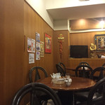 CHINA EXPRESS 杏花園 - 客席は円卓中心