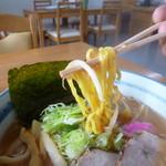 めん喰い - 中太ちぢれ麺