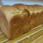 お米のぱん工房 さくらファーム - 料理写真:米粉 山形食パン 3 斤 1,215円(税込)。