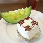 ケーキアンドカフェシャロン - メロンゼリー&バターケーキ