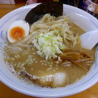 ラーメン利尻 - 料理写真:とんこつ醤油ラーメン(700円)