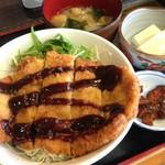 まる勝 - 料理写真:ミソかつ丼