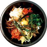 アツアツ石焼きピビンバ(スープ付き)