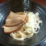 丸亀製麺 - 麺はうどんq(^-^q)そのまま冷たいので頂きました。