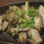 TORIEMON - たまに行くならこんな店は、西新宿エリア真っ只中で九州系食材を個室にて楽しめる、「TORIEMON 新宿西口駅前店」です。