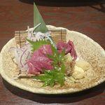 TORIEMON - 続いては馬刺し680円を注文。