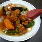 晴山閣 - 酢豚 ハーフ