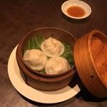 中国料理 季香園 - 小籠包、450円です。