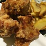 鮮魚個室居酒屋 利休 - 若鶏の唐揚げ&ポテトフライ