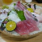 魚しん - 料理写真:刺身の盛り合わせ