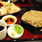 つる亀庵 - 料理写真:天盛り蕎麦 1300円 大盛りは+200円