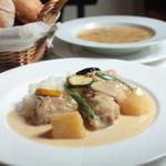 BISTRO TAKAGAKI - 鶏のクリーム煮 バターライス添え