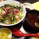 和食さと - 料理写真:16.09 海鮮贅沢丼(1,098円)と赤出汁(150円)