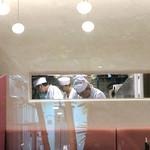 恵比寿 箸庵 - 職人さんが垣間見える細長い窓