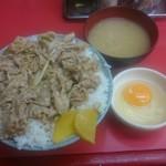 名物 スタ丼 サッポロラーメン - スタミナ丼