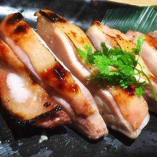 鶏肉料理は全てブランド肉、【総州古白鶏】使用