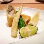 箱根強羅 白檀 - 揚物 太刀魚の包み揚げ エシャレット 伏見唐辛子 レモン