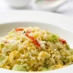 蟹肉とレタス炒飯