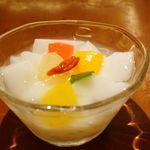 VEGE CHINA 南国酒家 - 杏仁豆腐